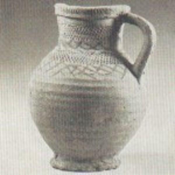 12th century pouring jug Pingsdorf