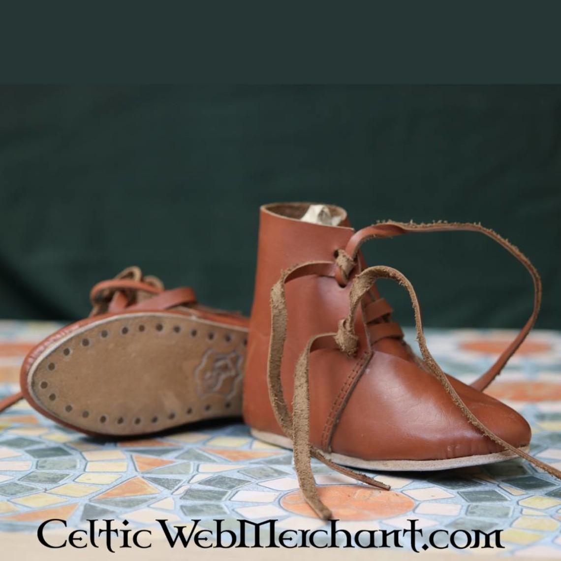 Zapatos de los niños del siglo XV