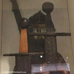 Miecz jednoręczny Norman, typ Oakeshott X, gotowy do walki