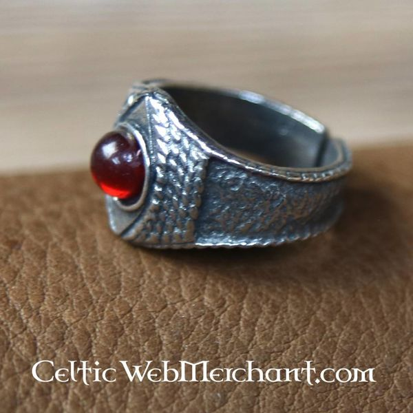 Anillo de peltre medieval, rojo
