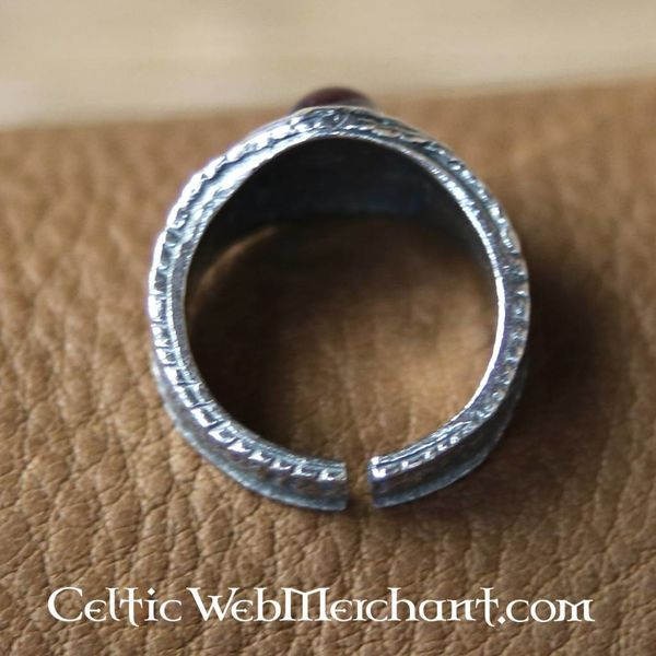 Średniowieczny pierścionek cyny, czerwony