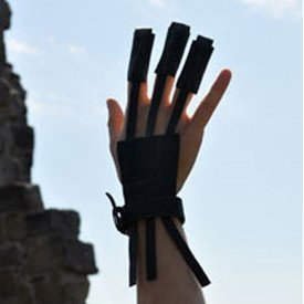 Historical archery glove