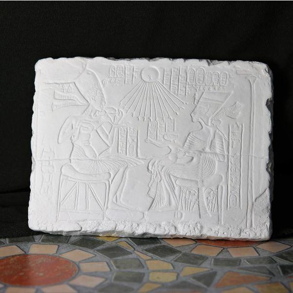 Relief Aton og Nefertiti