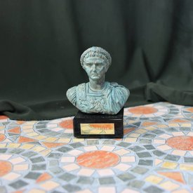 Bronzato busto dell'imperatore Tiberio
