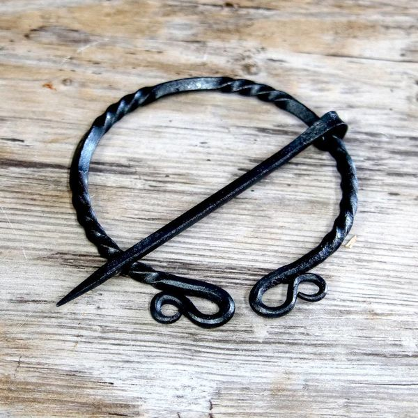 House of Warfare Historisk Keltisk ringfibula