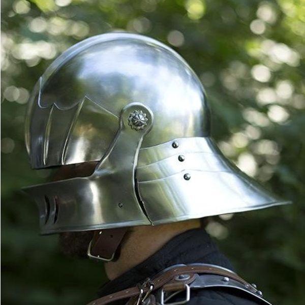 Epic Armoury Seduto al XVI secolo