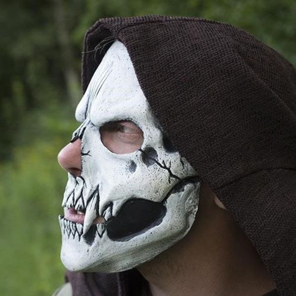 Epic Armoury Skull Trophy Mask, wit
