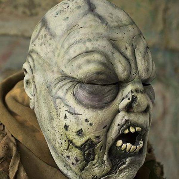 Epic Armoury cinza máscara verde Zombie