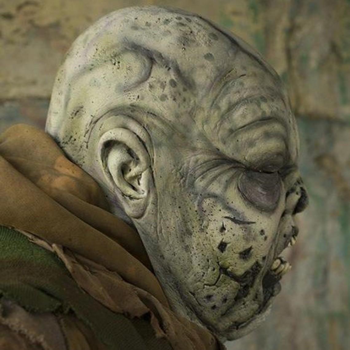 Epic Armoury masque Gray Green Zombie
