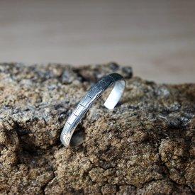 Styled Celtic armband, silver