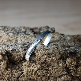 Styled Celtic bracelet, silver