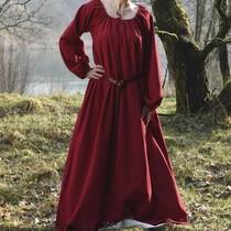 Medieval shift Matilda, red