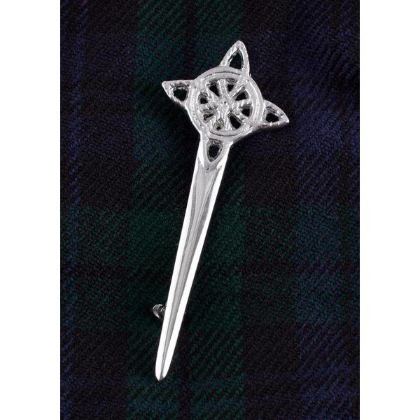 Kilt pin Celtic knot