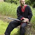 Epic Armoury Średniowieczny długi rękaw tunika czarno-czerwony