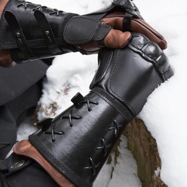 Epic Armoury Leather gauntlet, Left Hand