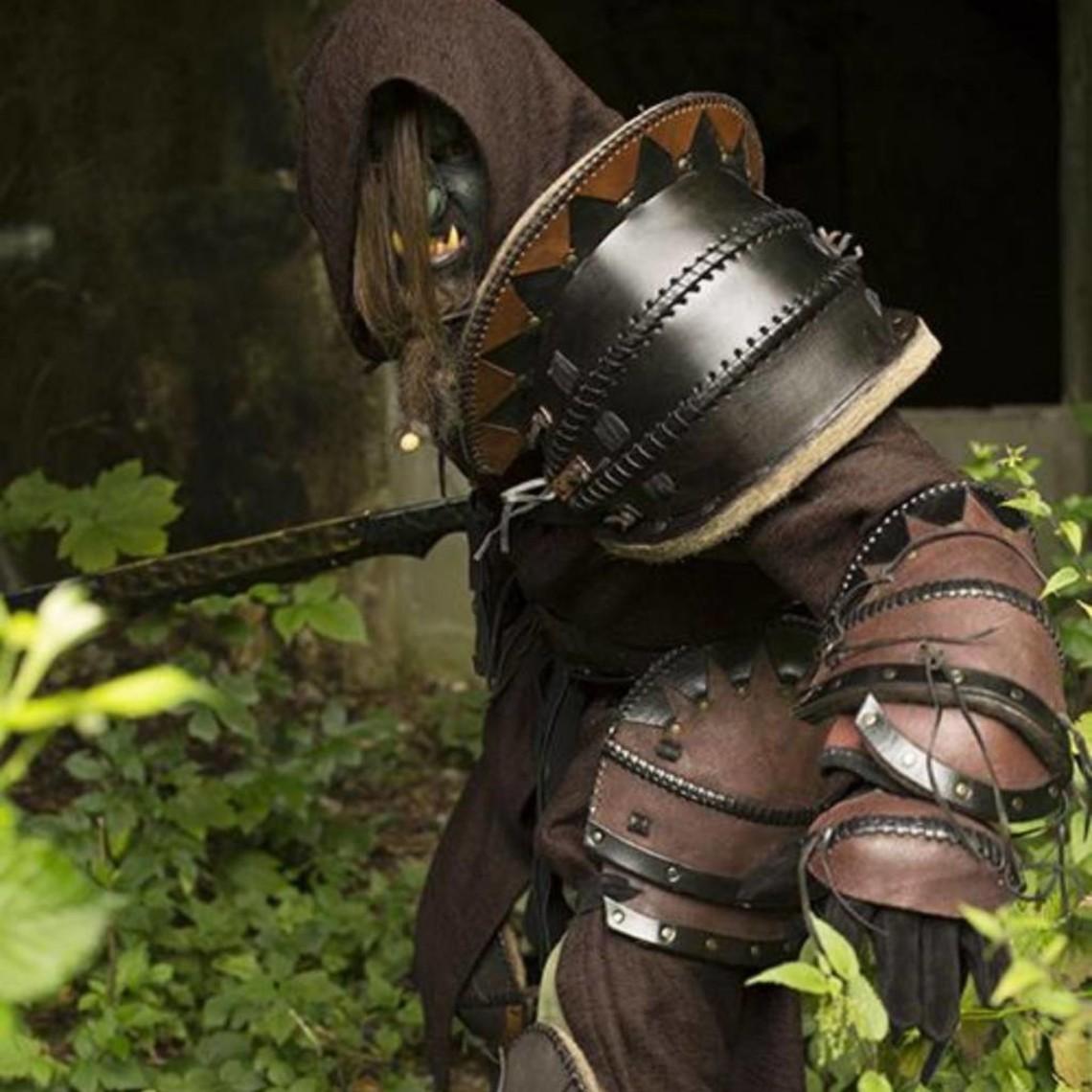 Epic Armoury Orco armadura de hombro de cuero, LARP