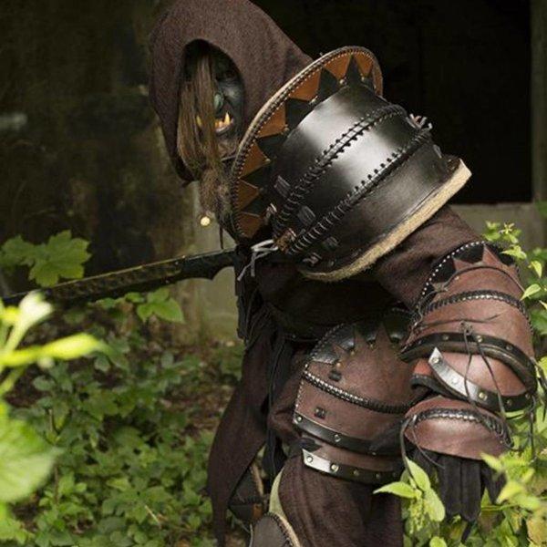 Epic Armoury Orc épaule armures en cuir, LARP