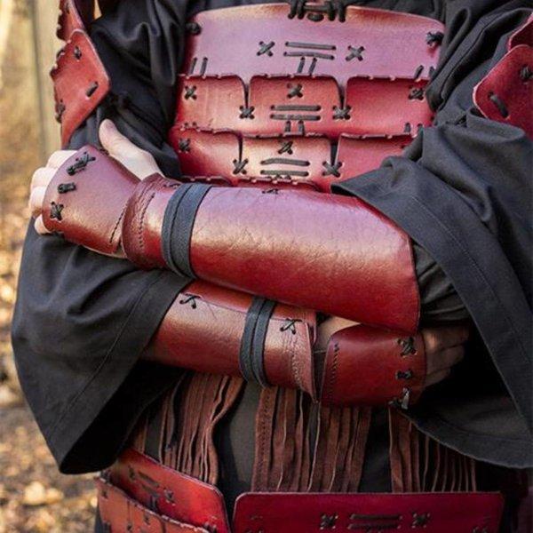 Epic Armoury Een paar bracers voor Samoerai krijgers