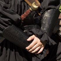Epic Armoury Bracciali in pelle Battaglia, coppia, nero