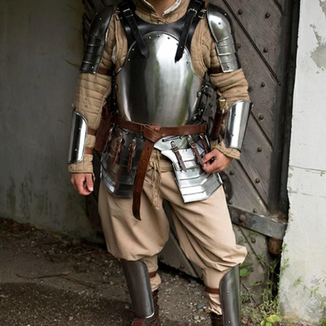 Epic Armoury Conjunto de armadura oscura merc, negro.