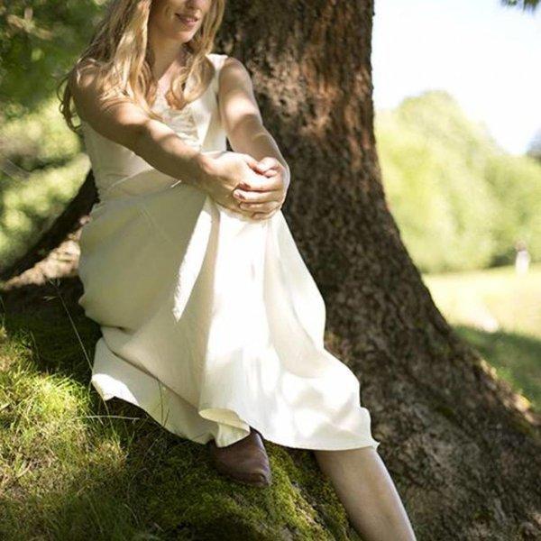 Epic Armoury Medeltida klänning Elaine, vit