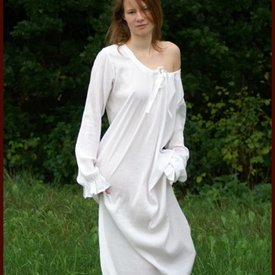 Nightdress / undergown Catharina