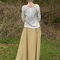 Falda medieval de melisende, marrón claro.