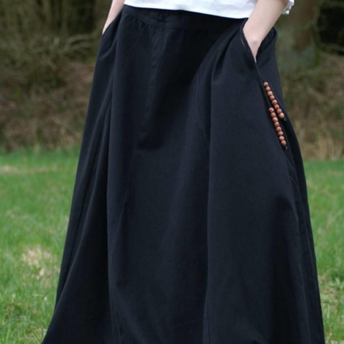Falda medieval de melisende, negra.