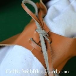 Ciżemki z sznurowadła (1100-1500)