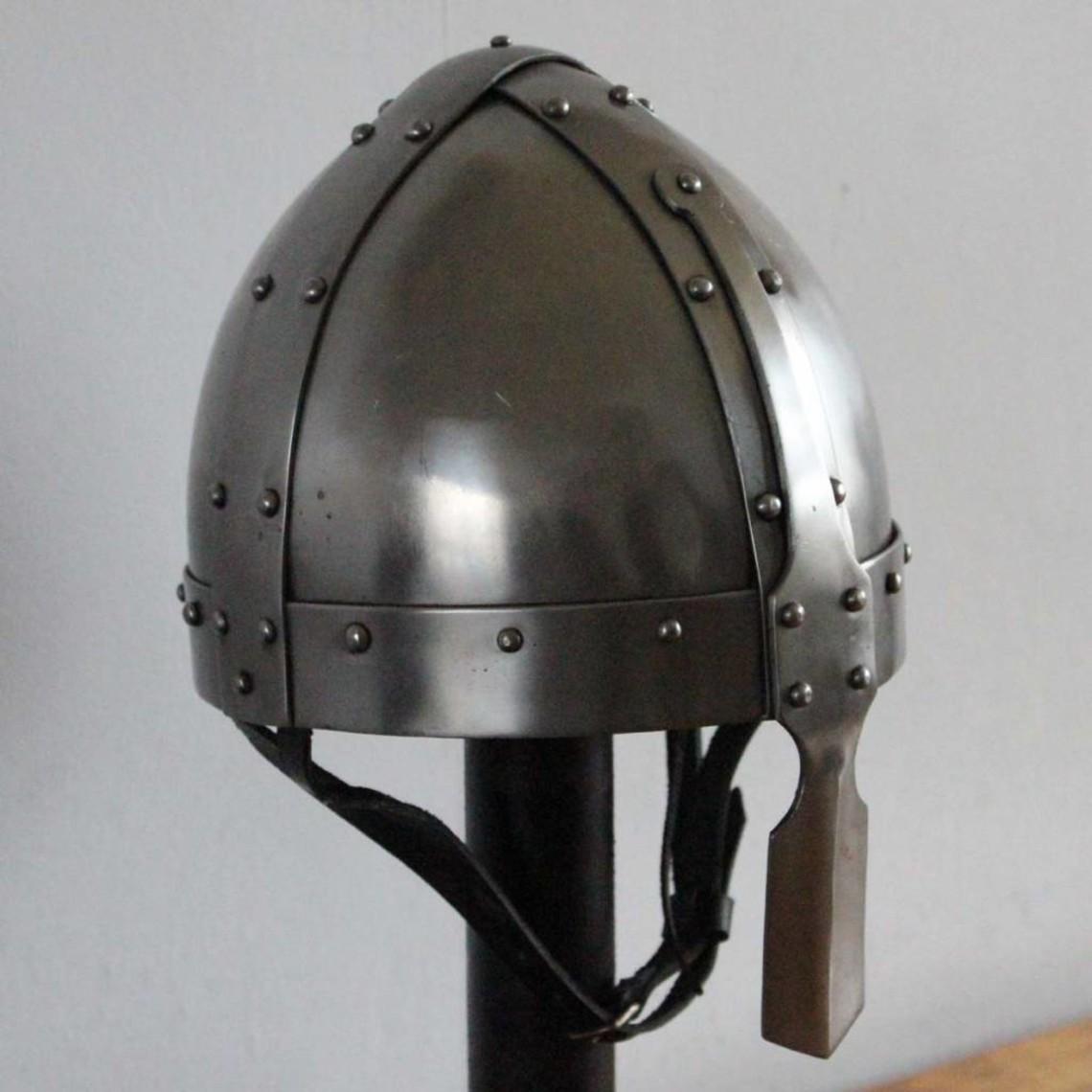 Ulfberth 8ste eeuwse spangenhelm
