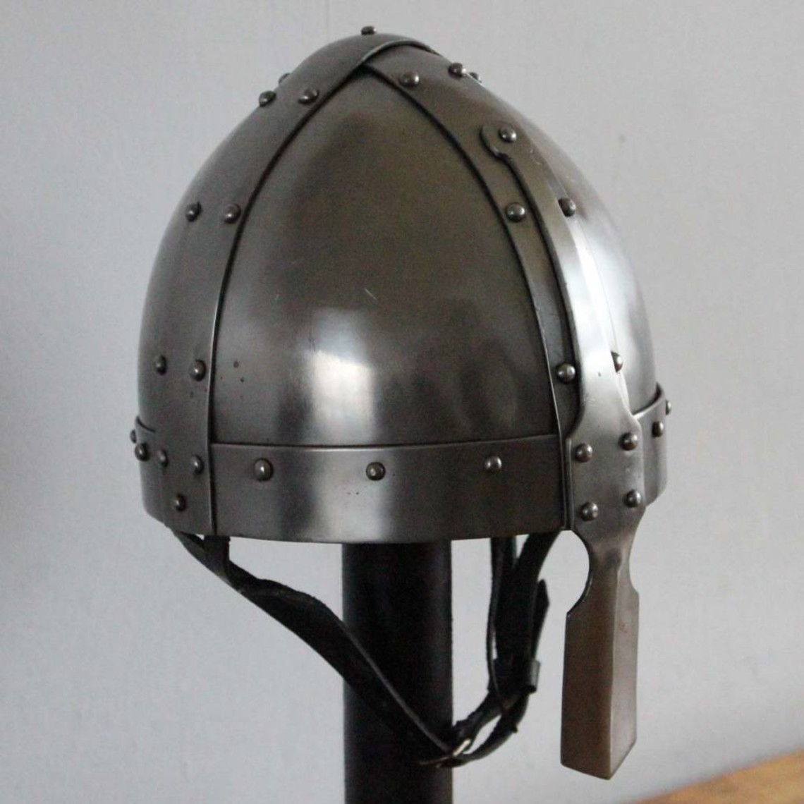 Ulfberth Siglo VIII Spangenhelm