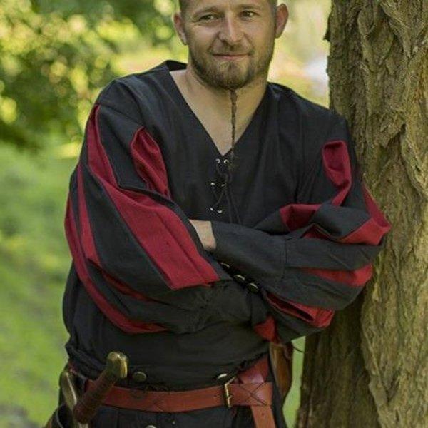 Epic Armoury landsknecht camisa, negro / rojo