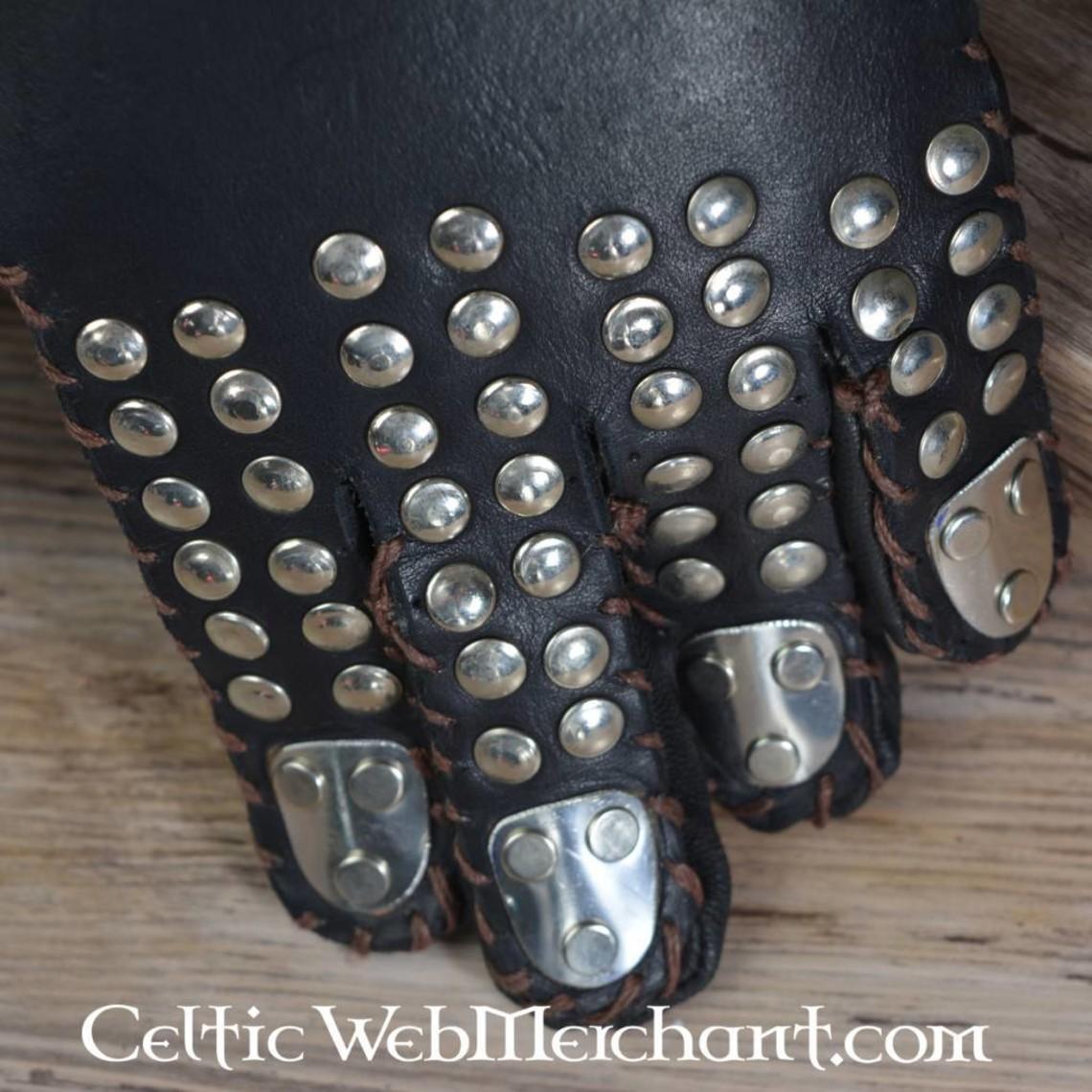 Gants avec plaques en métal