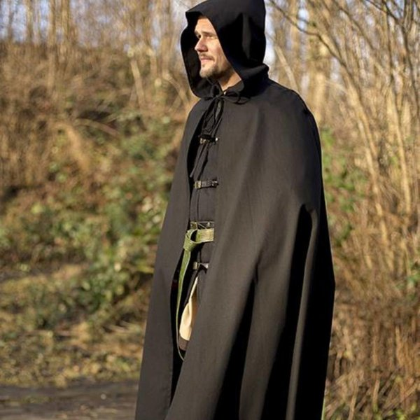 Epic Armoury (Early) medieval black cape Robert