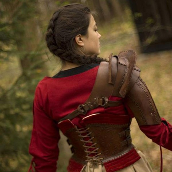 Epic Armoury Leather shoulder armor, brown