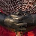Epic Armoury Guantes medievales de cuero, negros.
