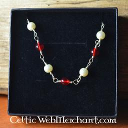 collar romano con piedras rojas