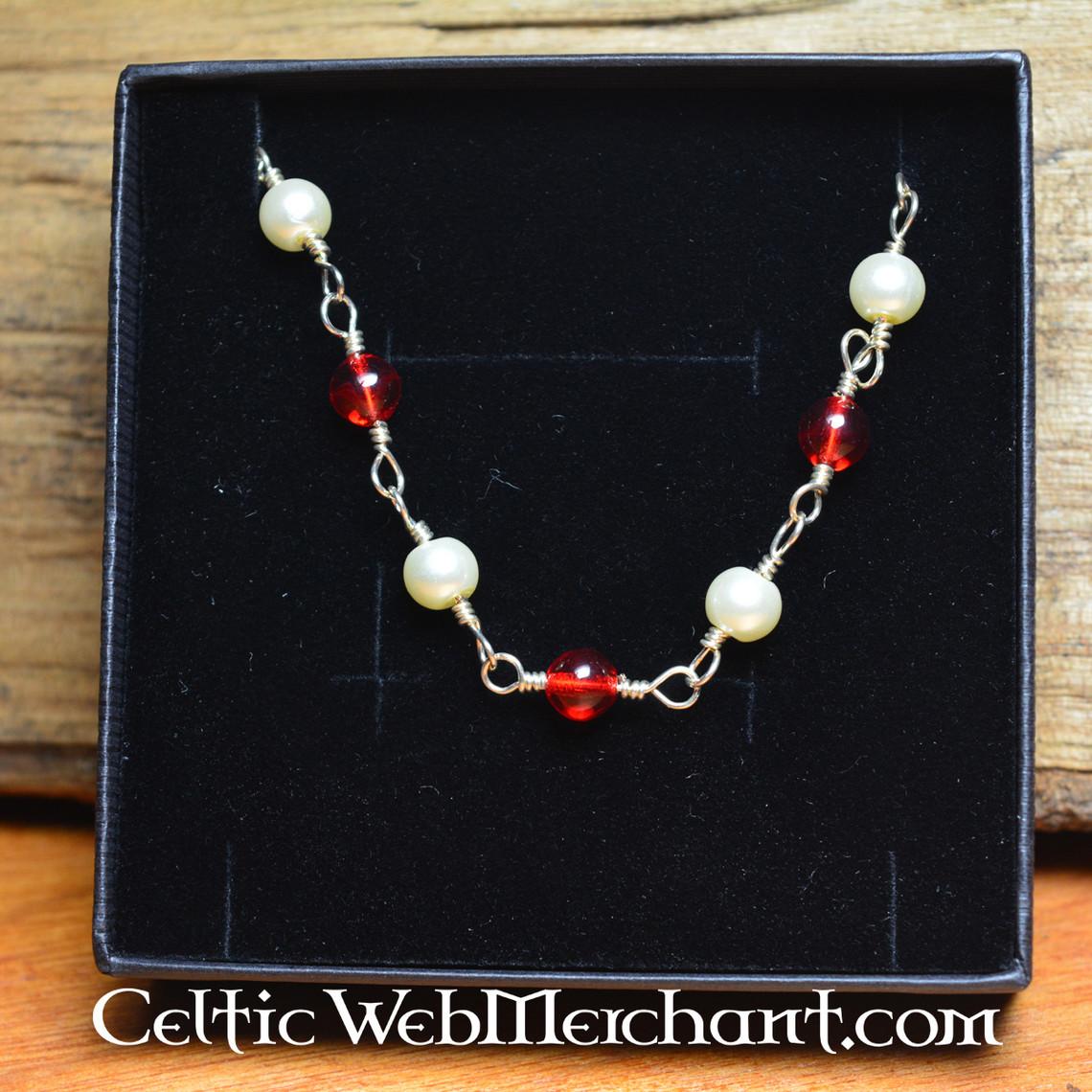 collana romana con pietre rosse