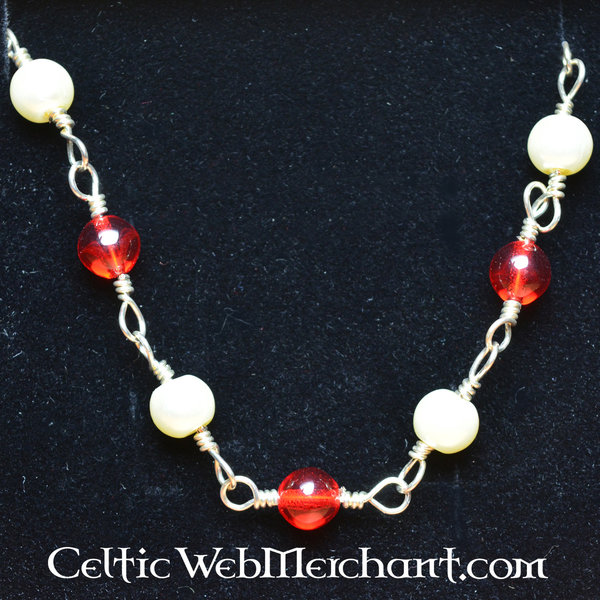 Roman necklace with red stones