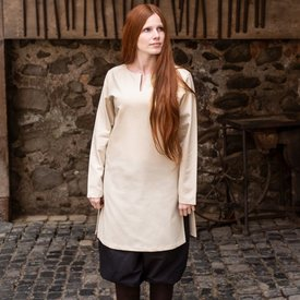 Burgschneider (Under)tunic shield-maiden Greta, natural