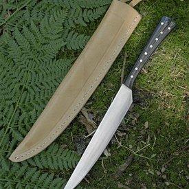 Chifre do século XV comendo faca