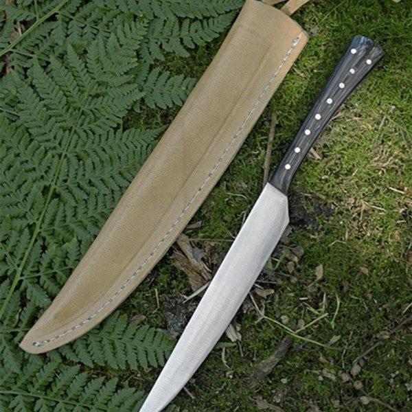 Couteau à manger en corne du XVe siècle