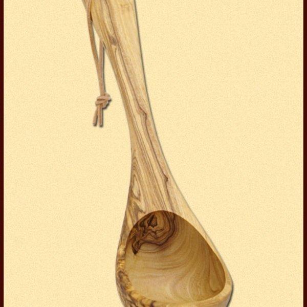 Cucharón de madera de olivo, 26 cm.