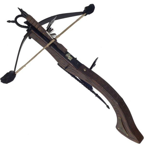 Crossbow med träsniderier