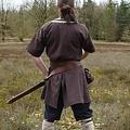 Túnica Birka Knut, mangas cortas, marrón.