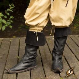 15th century boots black