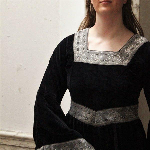 Dress Anna Boleyn black