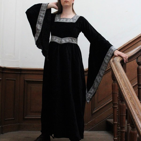 Leonardo Carbone Klæd Anne Boleyn sort