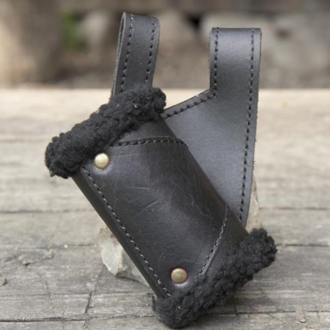 Epic Armoury Porte-épée LARP avec fourrure, noir