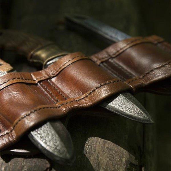 Epic Armoury Hållare för LARP kasta knivar bruna, inkl. 3 knivar